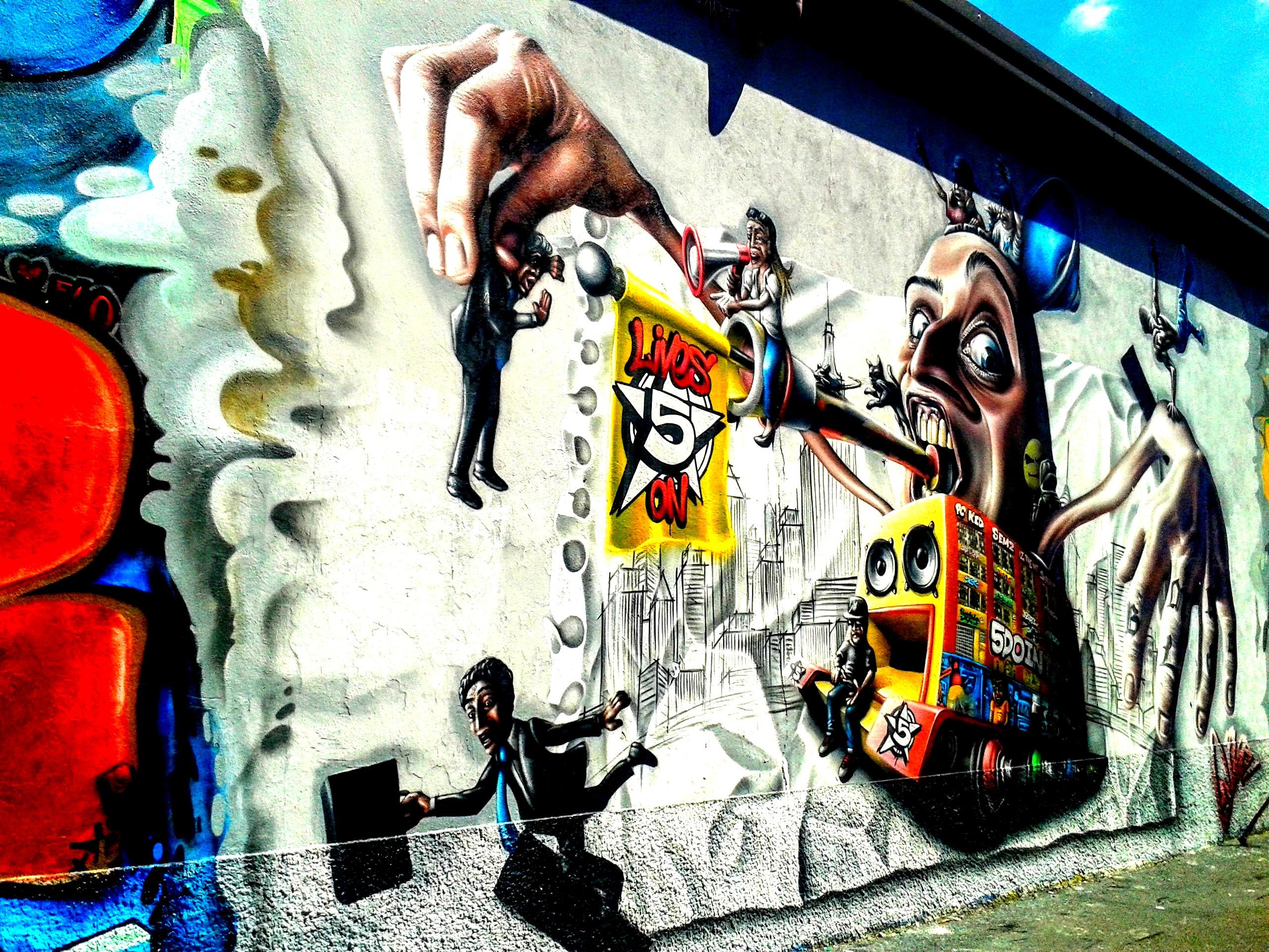 I murales di Via Watteau - Leoncavallo