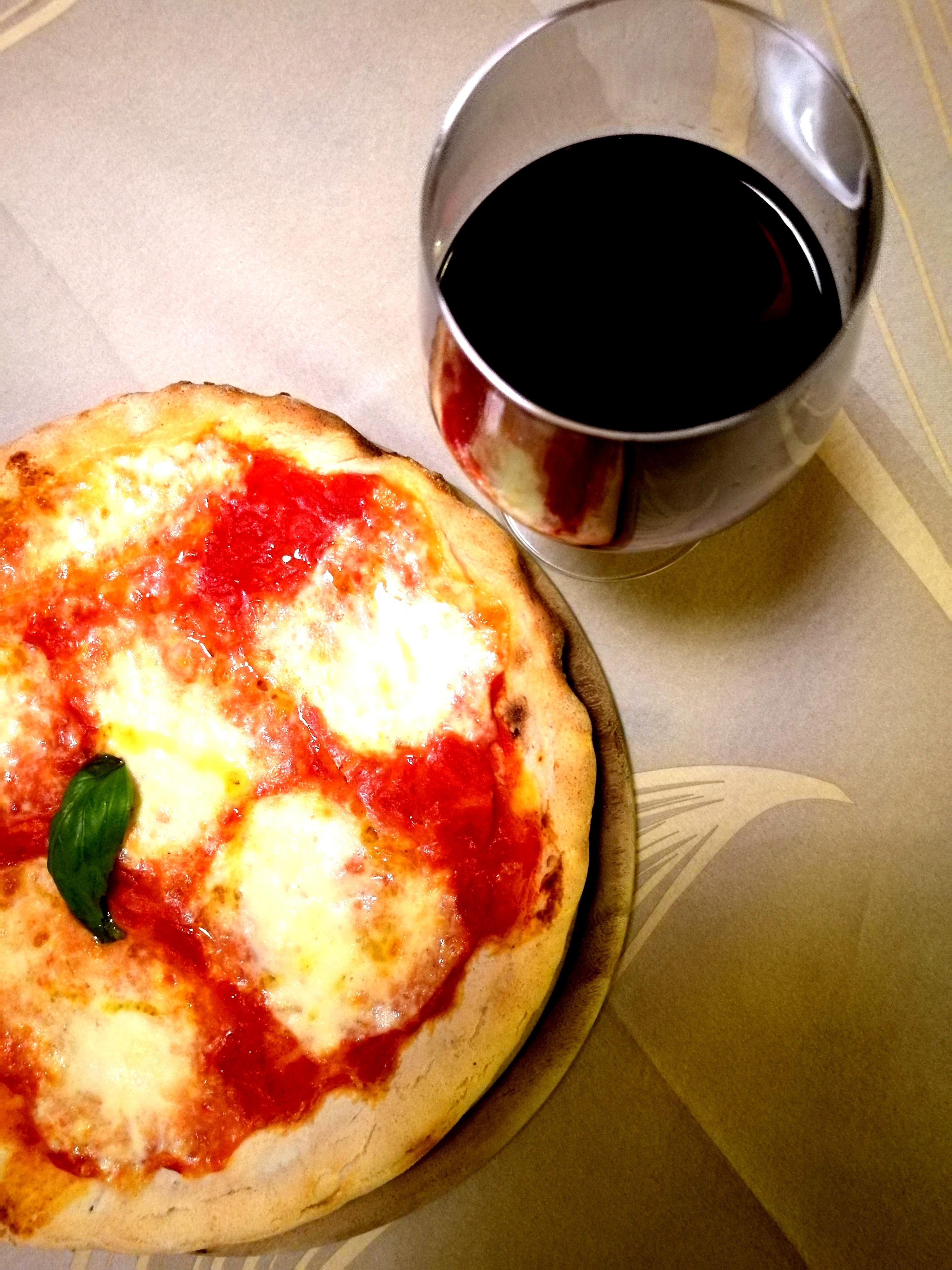 La pizza è tra le specialità di Puglia Bakery