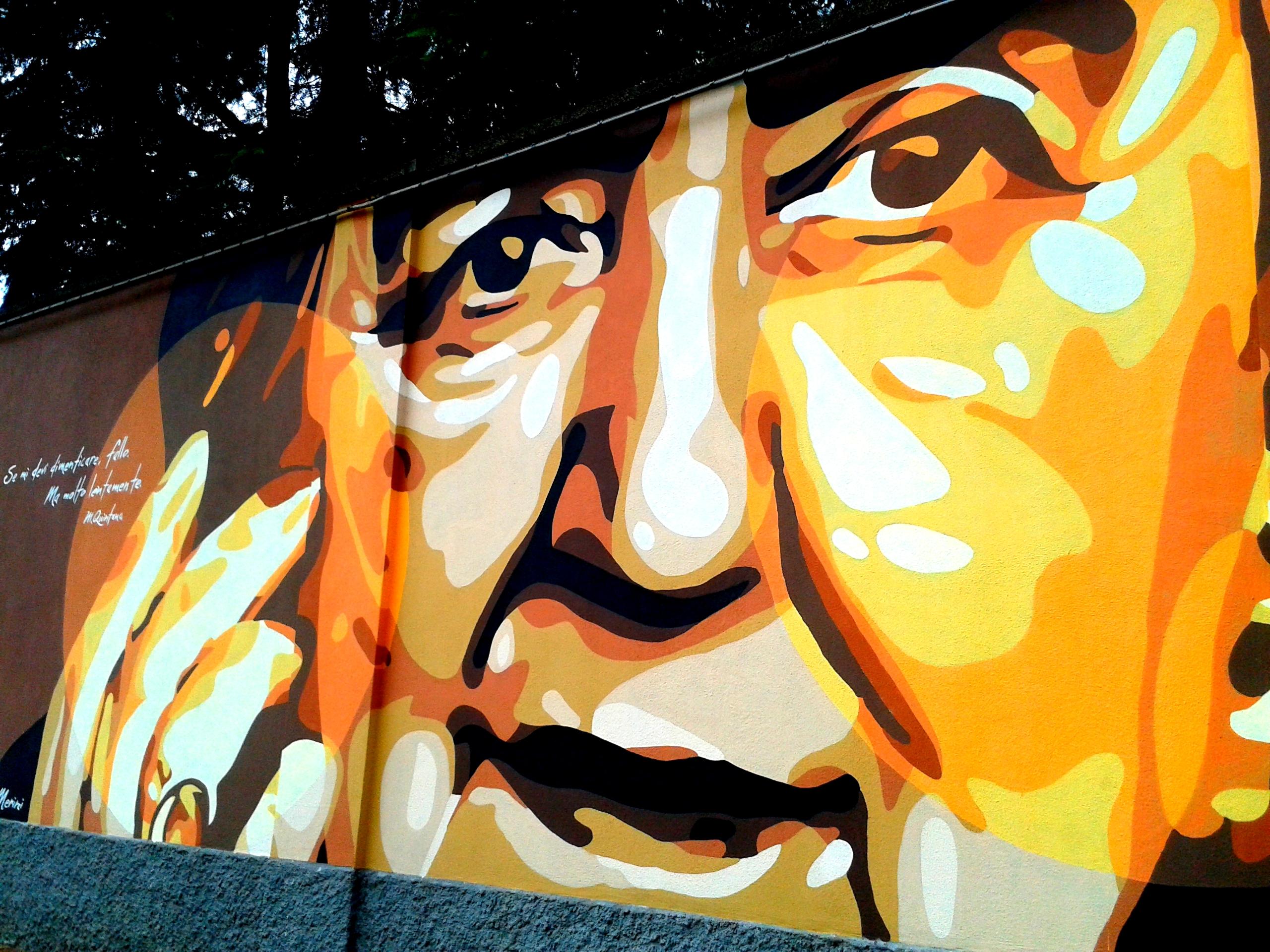 Il mega murale di Piazza Cardinal Ferrari percorre il muro il convento della Visitazione (150 metri), che raffigura e celebra 12 volti illustri di Milano che si sono distinti nel campo della letteratura, poesia, cinema e musica. Tra questi spiccano Iannacci, Gaber, Franca Rame, Mariangela Melato, Alda Merini, Gadda.