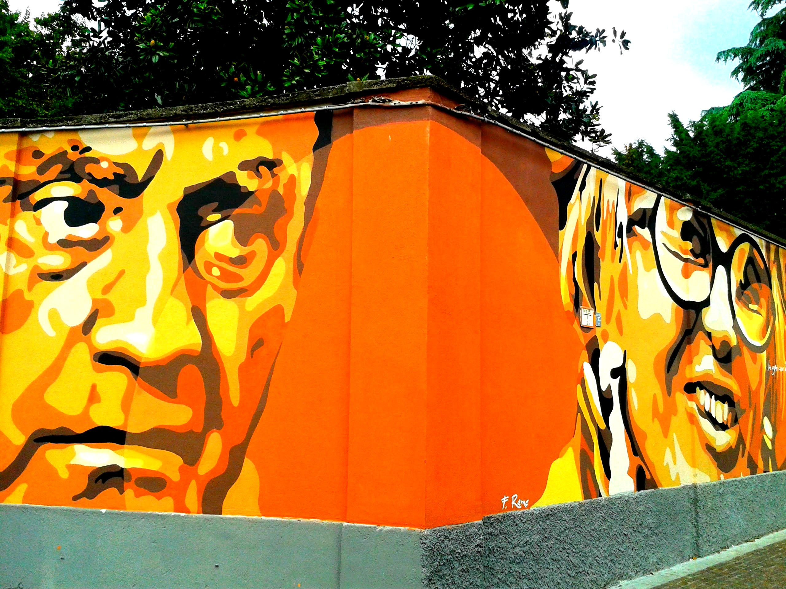 I murales di Piazza Cardinal Ferrari