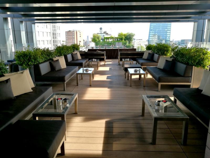 APERITIVO CON VISTA A LA GARE HOTEL MILANO CENTRALE