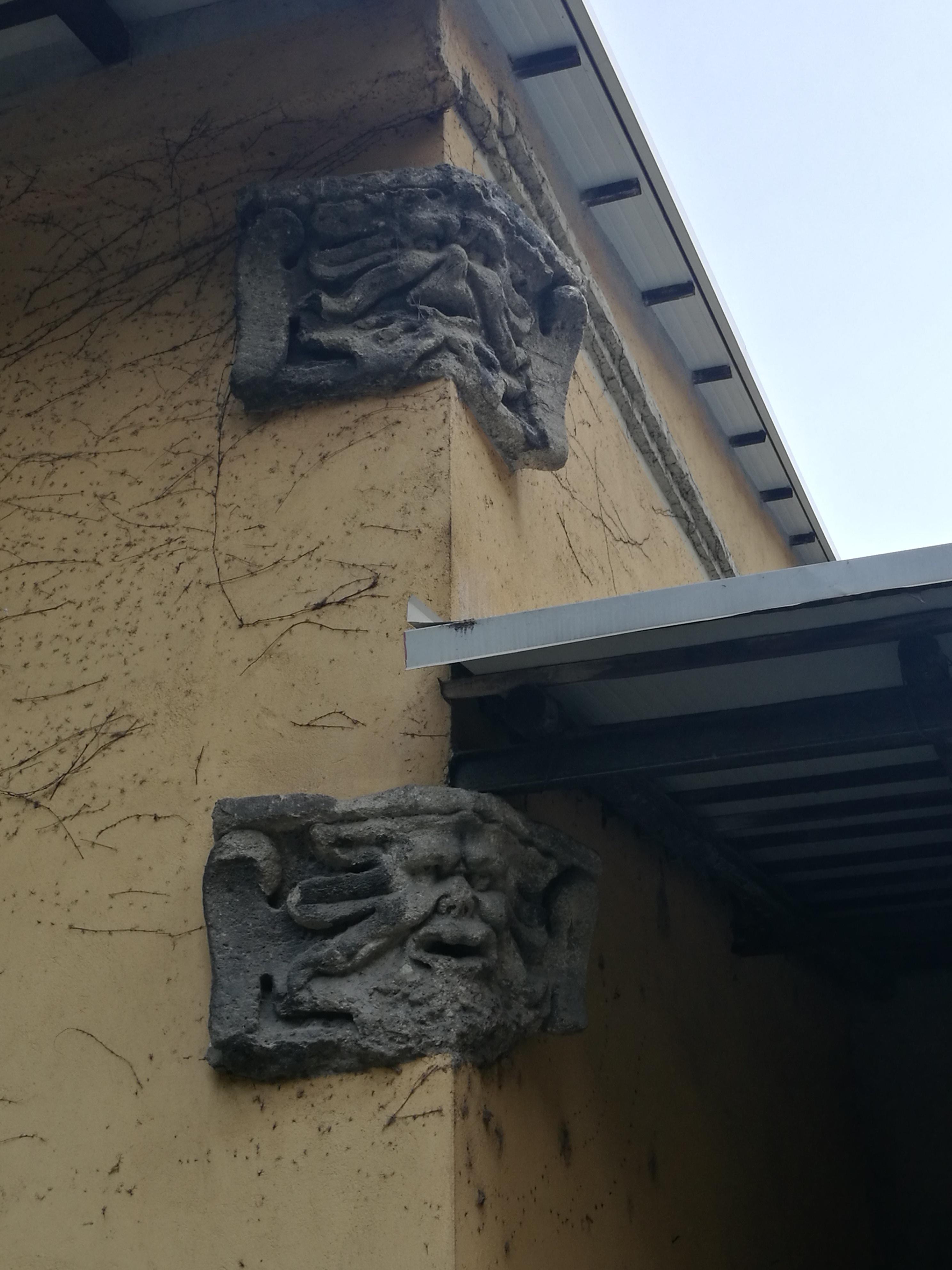 Mascheroni antichi