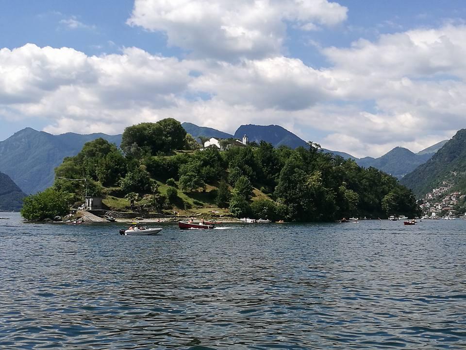 Isola sul lago di Como