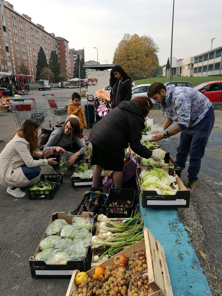 Come salvare cibo nei mercati rionali