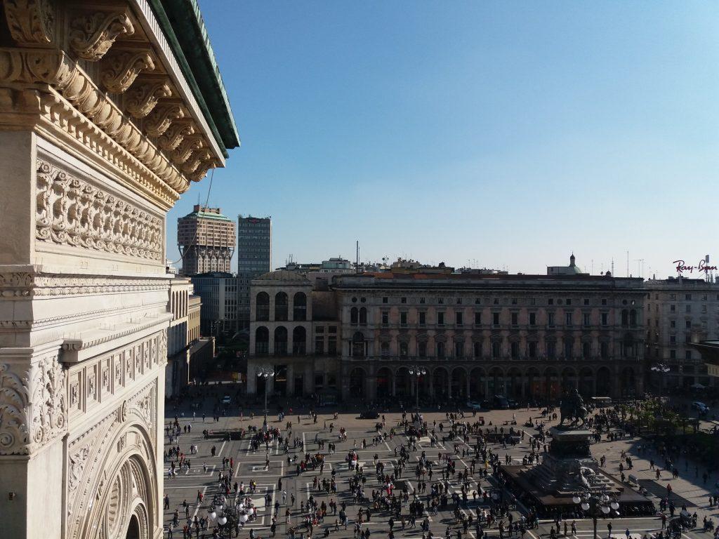 Sui tetti della Galleria Pasqua a Milano