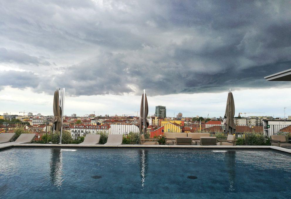 APERITIVO SULLE TERRAZZE DEGLI HOTEL: GLI OTTO ROOFTOP PIU'BELLI DI MILANO