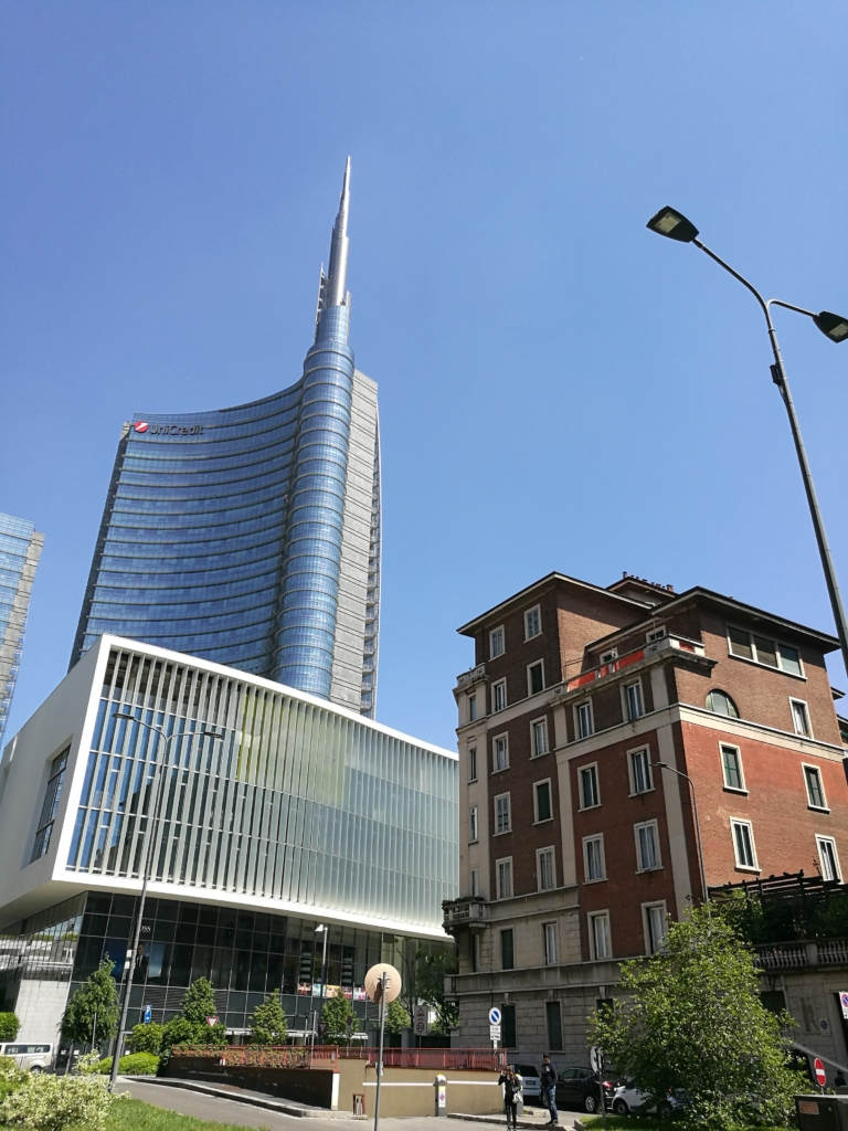 Isola Torre Unicredit
